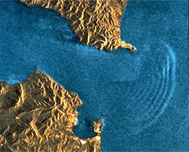 ERS 1 scene of internal waves: Strait of Gibraltar © ESA