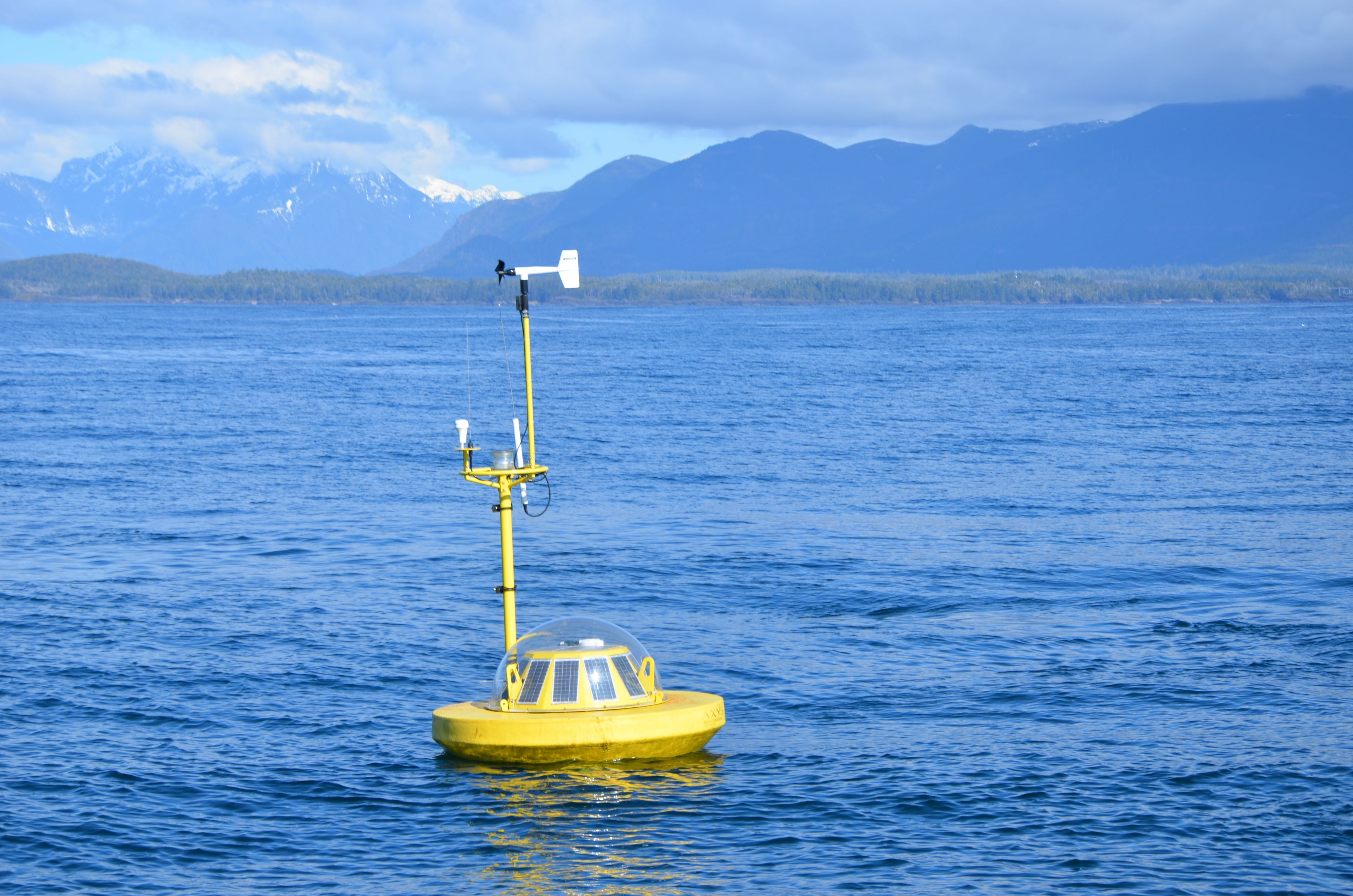 Beverly Watchmate wave measurement buoy off Ucluelet, BC
