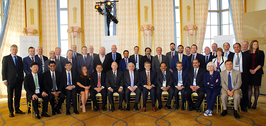 Mission Innovation heads of delegation pose for a group photo alongside key private sector investors during the Inaugural Mission Innovation Ministerial. Notable attendees include Bill Gates, and Richard Branson.
