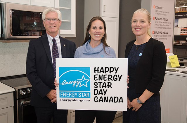 ENERGY STAR Day 2016 - promotional video: Honourable Jim Carr, Minister, Natural Resources Canada; Dianna Miller, Chief ENERGY STAR for Products; Honourable Catherine McKenna, Minister, Environment and Climate Change Canada.
