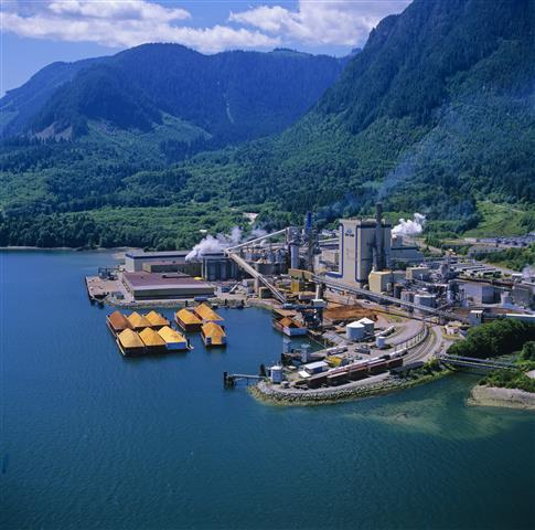 Photo of a pulp mill in British Columbia